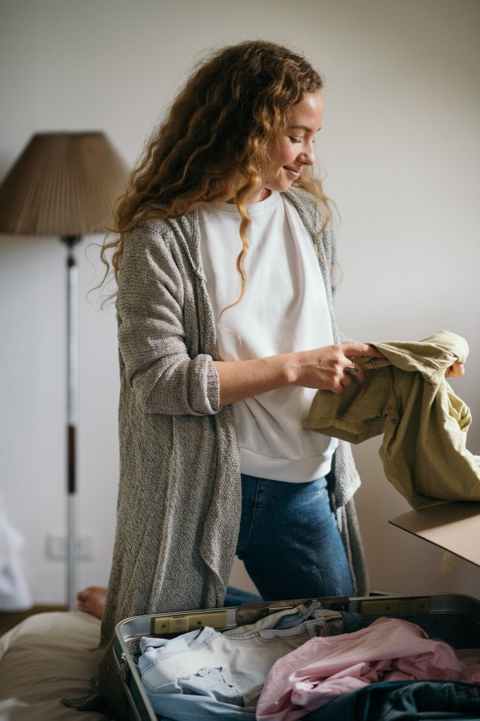 How Much Clothes Should I Bring To College? What You Need To Know